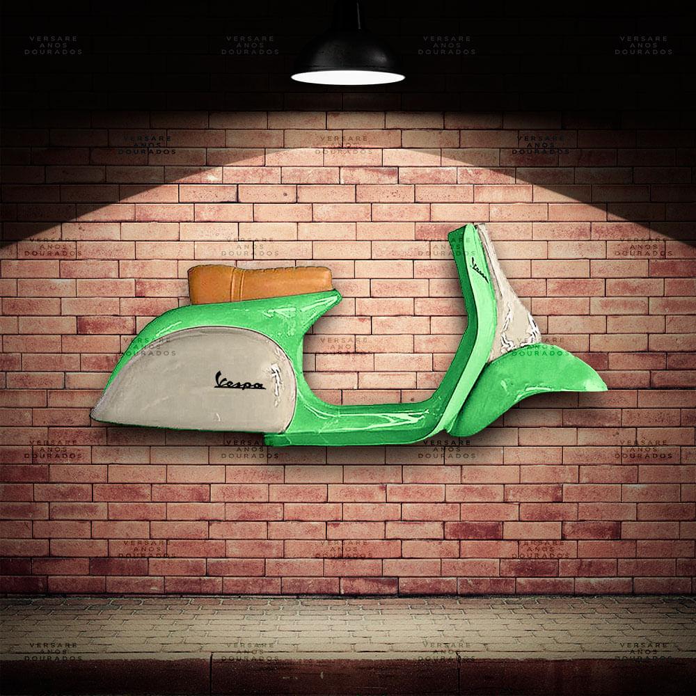 Lateral-Vespa-Brasil-Verde---Caixa-Traseira-Creme