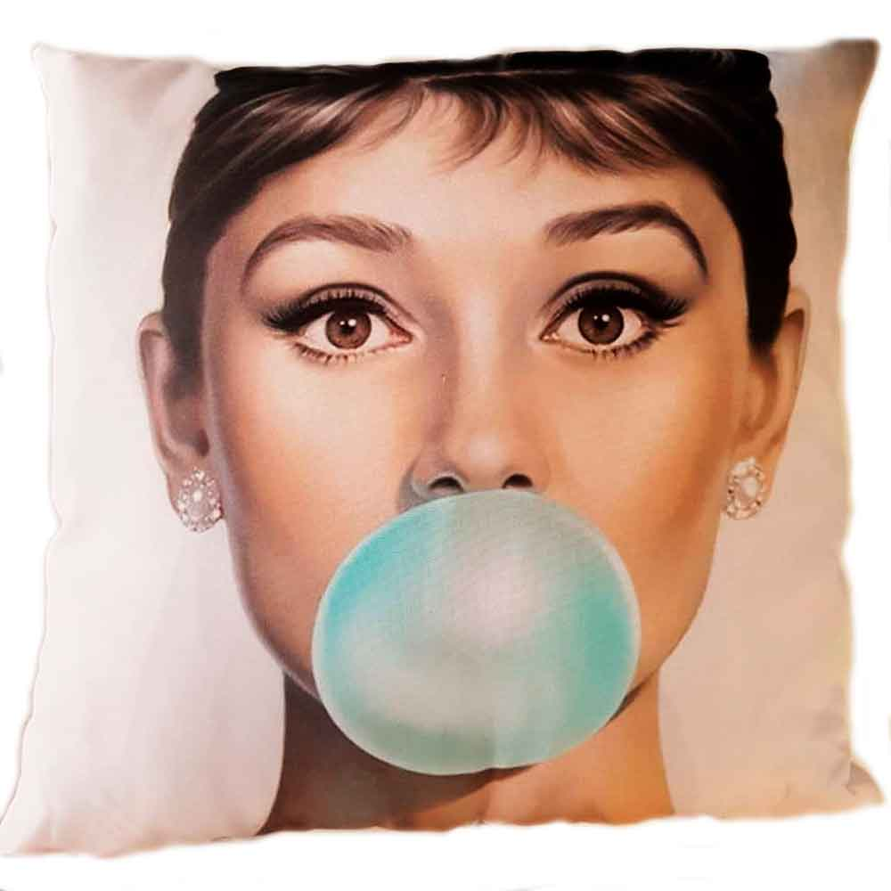 Almofada-Com-Enchimento-Audrey-Hepburn-Chicle