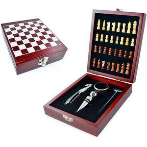 kit-para-vinho-com-jogo-de-xadrez-01