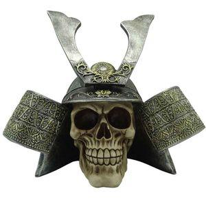 Caveira-Resina-Capacete-Samurai-Prata