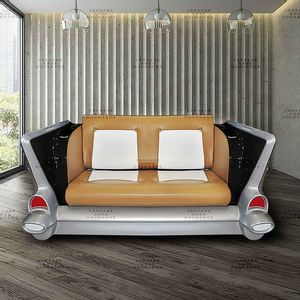 Sofa-Bel-Air-James-Bond-Preto---Estofado-Caramelo-E-Branco