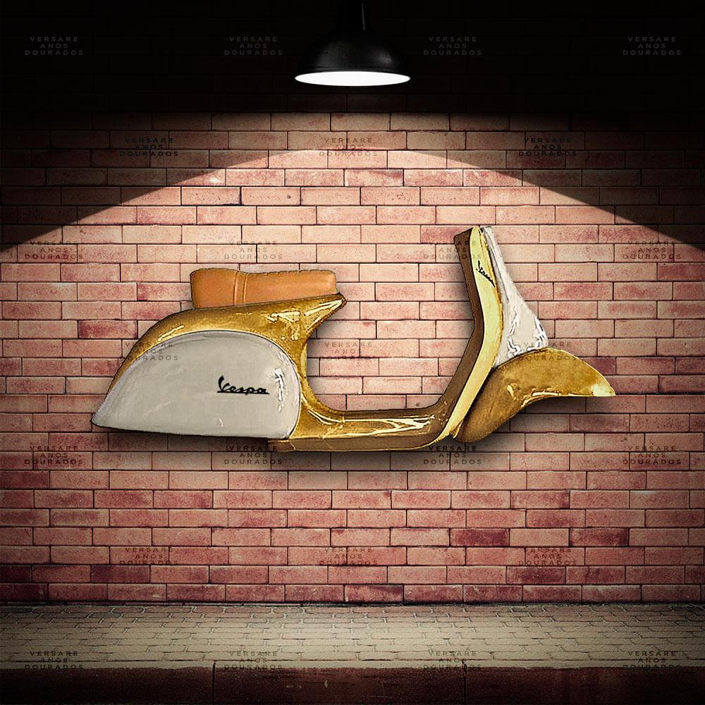 Lateral-Vespa-Gold-Edition-Dourado---Caixa-Traseira-Creme