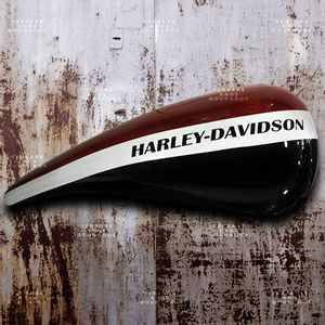Tanque-Harley-Davidson-and-the-Marlboro-Man---------------------------------------------------------