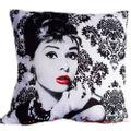 Almofada-Com-Enchimento-Audrey-Hepburn